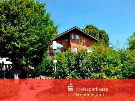 Zweifamilienhaus mit wunderschönem Garten in Loßburg-Wittendorf - vielseitig nutzbar