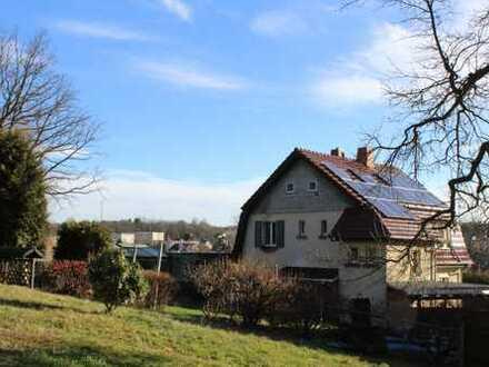 Ruhig gelegenes Ein- bis Zweifamilienhaus in Oberlungwitz zum Verkauf