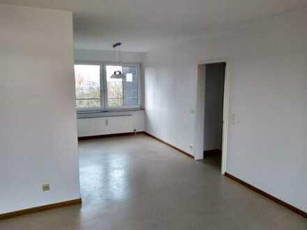 Modernisierte 2-Zimmer-Wohnung mit Balkon und EBK in Reutlinger Str., Ulm