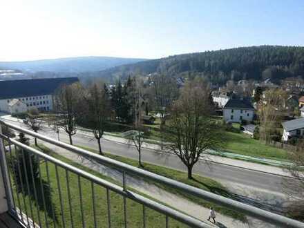 Günstige Wohnung mit Balkon und herrlichem Ausblick!