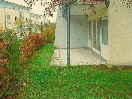 Exklusive, modernisierte 2-Zimmer-Erdgeschosswohnung mit Balkon und EBK in Herrenberg
