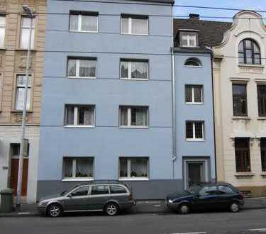 Schöne 2-Zimmer-Wohnung in gepflegtem Haus in Mülheim-Styrum