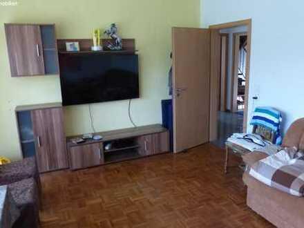 Freistehendes teilsaniertes Haus, ideal für Handwerker!