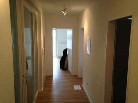 Helle 2-Zimmer-Etagenwohnung in bester Neustadtlage ab 01.07.2020