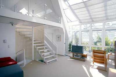 Sonnige Maisonette-Wohnung mit Wintergarten