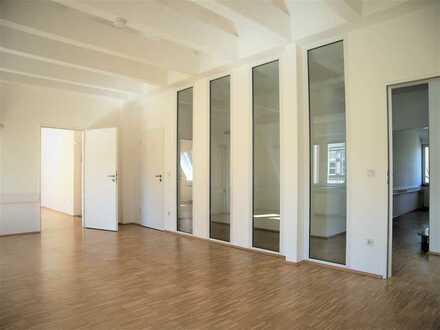 *Schicke, repräsentative Büroetage in gepflegter Altbau-Villa mit 2 Parkplätzen*
