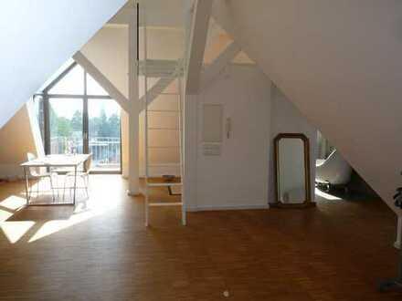 Ultramodernes Studio in denkmalgeschützter Villa!