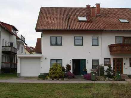 Gepflegte 6-Zimmer-Doppelhaushälfte möbliert mit EBK in Hockenheim