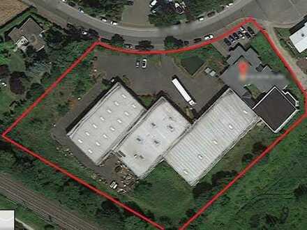 *Gewerbeobjekt mit Verwaltungsgebäude und 3 Hallen, Parkplätze*