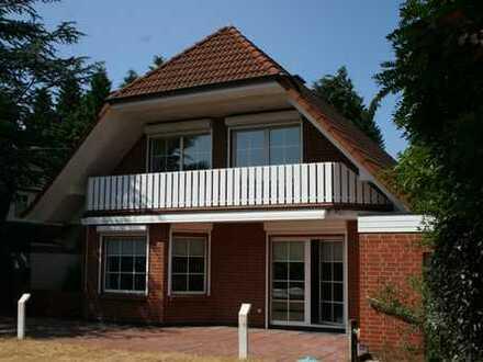 Einfamilienhaus mit Schwimmbad in TOP-Lage