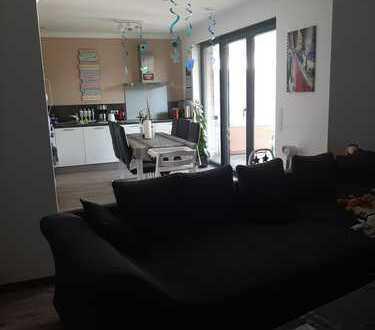 Neuwertige 3-Zimmer-EG-Wohnung mit Garten und EBK