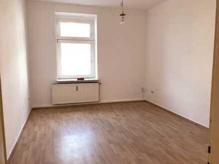 kleine Wohnung *frisch gestrichen*