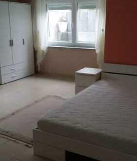 Helles Zimmer mit Dusche/WC+ Kochnische