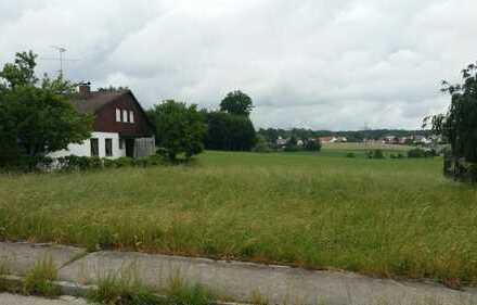Ruhiges Baugrundstück mit Blick auf die Felder in Ottmaring
