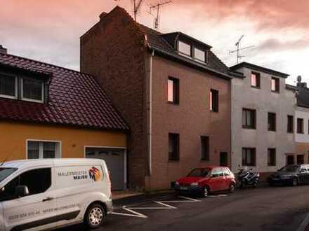Einfamilienhaus mit idyllischem Innenhof und Garten
