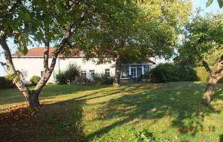 Landhaus auf 12000 m² am Ortsrand zu verkaufen