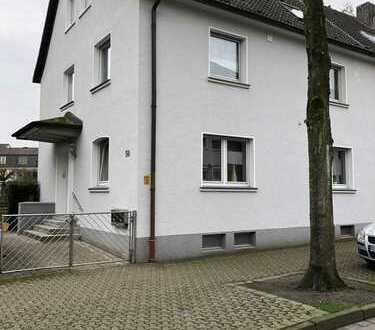 Dreifamilienhaus + drei Garagen in ruhiger Wohnlage in Dattlen