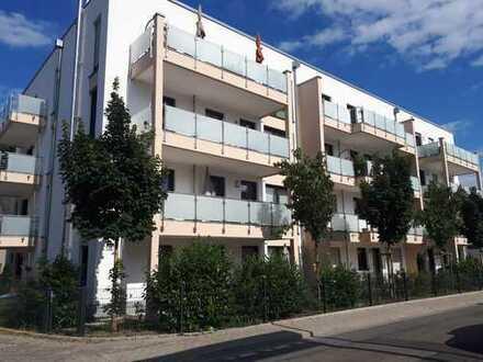 Wunderschöne, sonnige 2 Zimmer- Dachgeschoss-Wohnung in zentraler Lage