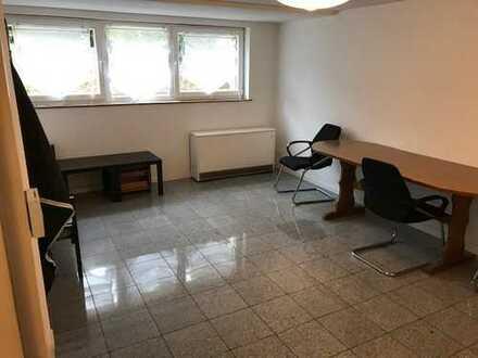 Schöne drei Zimmer Wohnung in Köln, Pesch