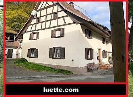 RESERVIERT - Altbau, Eckhaus Bj. 1812, 5 Zimmer, Gastherme, Tiba-Ofen, Duschbad, Dachgeschoss Spe...