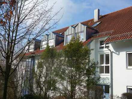 Moderne 3 Zimmerwohnung mit Balkon und Einzelgarage