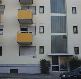 Kleine 1-Zimmer-Hochparterre-Wohnung mit EBK in Stuttgart