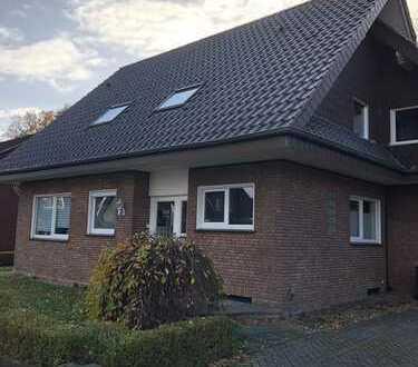 Gepflegte 4-Zimmer-Penthouse-Wohnung mit Balkonterasse und Einbauküche in Neuenkirchen
