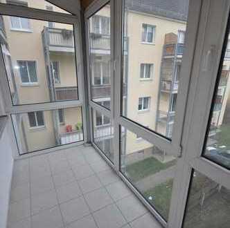 ***Einbauküche*** Großzügige 3-Zimmer Wohnung mit Balkon und PKW Stellplatz