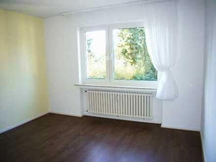 Großzügige, sehr gut geschnittene, helle 4-Zimmer-Wohnung in Bonn-Röttgen zu vermieten