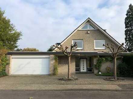 Freistehendes großzügiges Einfamilienhaus in ruhiger TOPLAGE von Krefeld - Verberg - Provisionsfrei