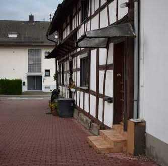 Schönes, geräumiges Haus in RA-Ottersdorf