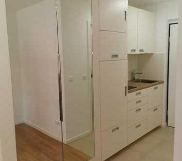 Erstbezug nach Sanierung: schöne 1-Zimmer-Wohnung mit EBK in Maxvorstadt, München