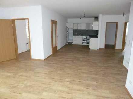 Gepflegte 4-Zimmer-Wohnung mit Balkon und EBK in Hünfeld