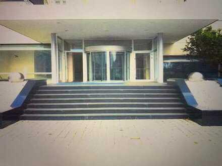 **Große Büro- und Lagerimmobilie*1A Gewerbelage in Offenbach*120 PKW*Direkte Anbindung an A661/A3**