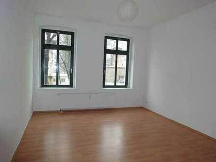Tolle 2-Zi.-Whg. - Laminat + Bad mit Fenster !!!! TOP MIETPREIS