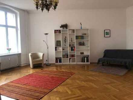 Cozy bright and enormous room in 3er WG located in quite neighbourhood with good access to the heart