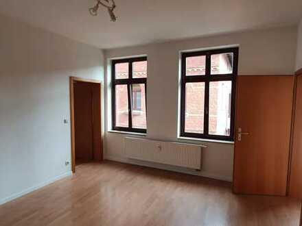 *IHR NEUES ZUHAUSE! 1,5-Zi.-Wohnung mit 33m² in Sonneberg zentrumsnah* Mit Einbauküche!
