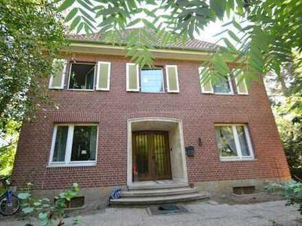 ++Foppe Immobilien++ Herrschaftliches Stadthaus mit Gewerbeeinheit auf einem 2100 m2 Grundstück.
