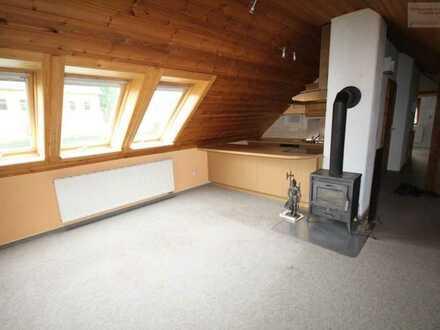 Gemütliche Dachgeschosswohnung in Bärenstein!!