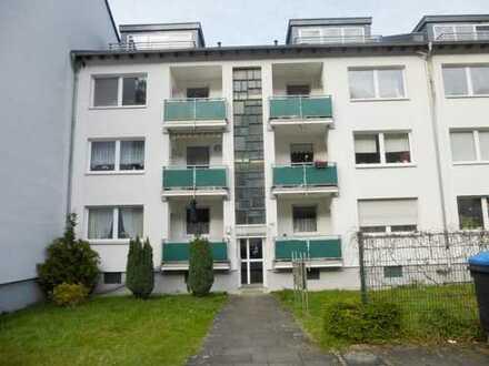 Freundliche 3 Zimmer-Balkon-Wohnung in Friesdorf !