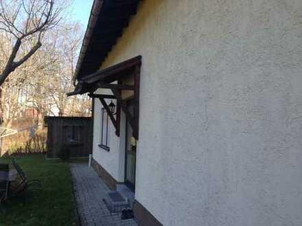 Maisonette / 2 Etagen Wohnung ca. 70qm in ruhiger Lage, 2 Bäder, 2 Schlafzimmer, Garten