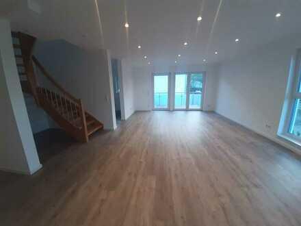 Ansprechende 5-Zimmer-Neubau-Maisonette-Wohnung mit Balkon in Königswinter-Bockeroth