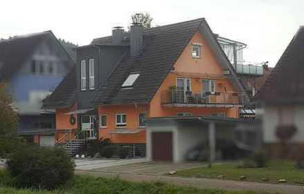 ZWANGSVERSTEIGERUNG - Studiowohnung mit großer Dachterrasse
