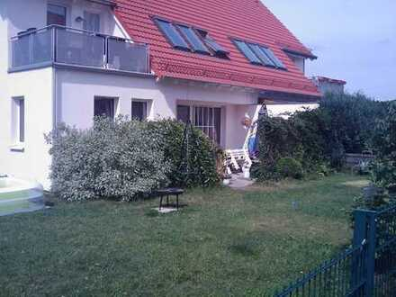 Wunderschöne hochwertige helle 2-Zimmer Wohnung mit Südbalkon in Zützen/Golßen südlich von Berlin