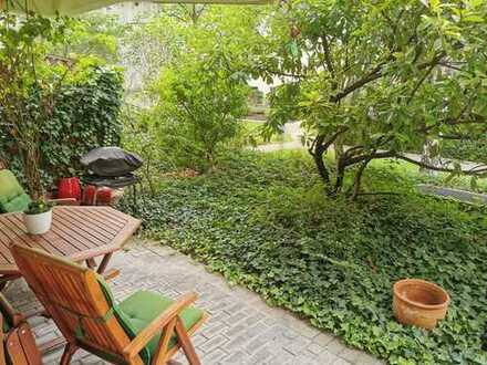 Ruhige zentrale 3 Zimmer Stadtwohnung mit Terrasse und grünem Innenhof
