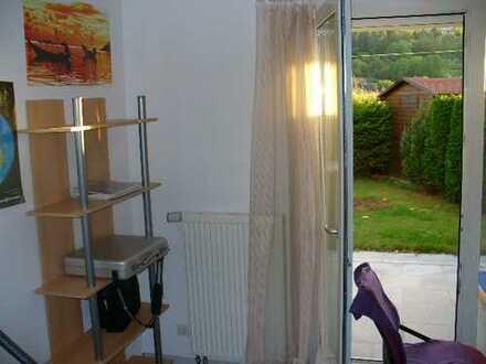1 Zimmer-Einliegerwohnung mit Bad und Küchenzeile für WE-Pendler
