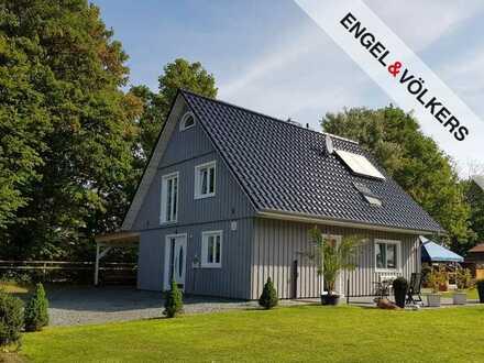 Modernes Einfamilienhaus mit großem Garten