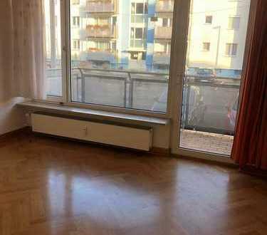 WG - geeignete 5-Zimmer Erdgeschosswohnung in ruhiger Stadtrandlage zu vermieten!