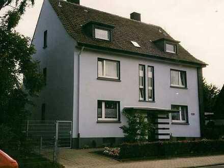 Erstbezug nach Sanierung (Nichtraucherwohnung): Ansprechende 2-Zimmer-DG-Wohnung in Dortmund-Derne