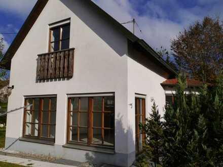 Schönes, geräumiges Haus mit drei Zimmern in Aichach-Friedberg (Kreis), Friedberg